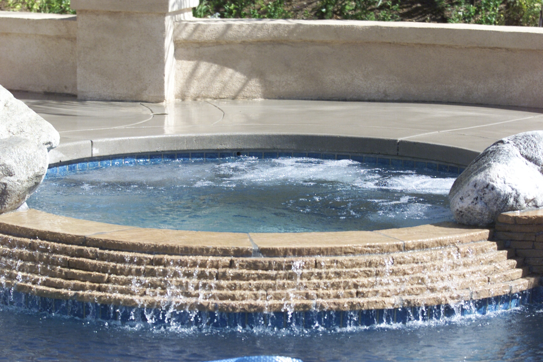 Oak park and agoura pool and spa builders serving ventura for Pool design ventura
